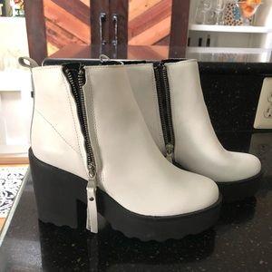 Steve Madden white booties-NWOT